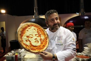 #‎PizzaCuriosity – Un pizza creativa!